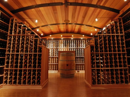 Barrel ceiling with racking peninsulas